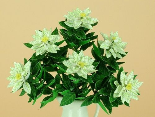NEW - 12th scale laser cut White Poinsettia Kit