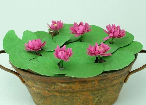 12th scale dark pink water lily kit